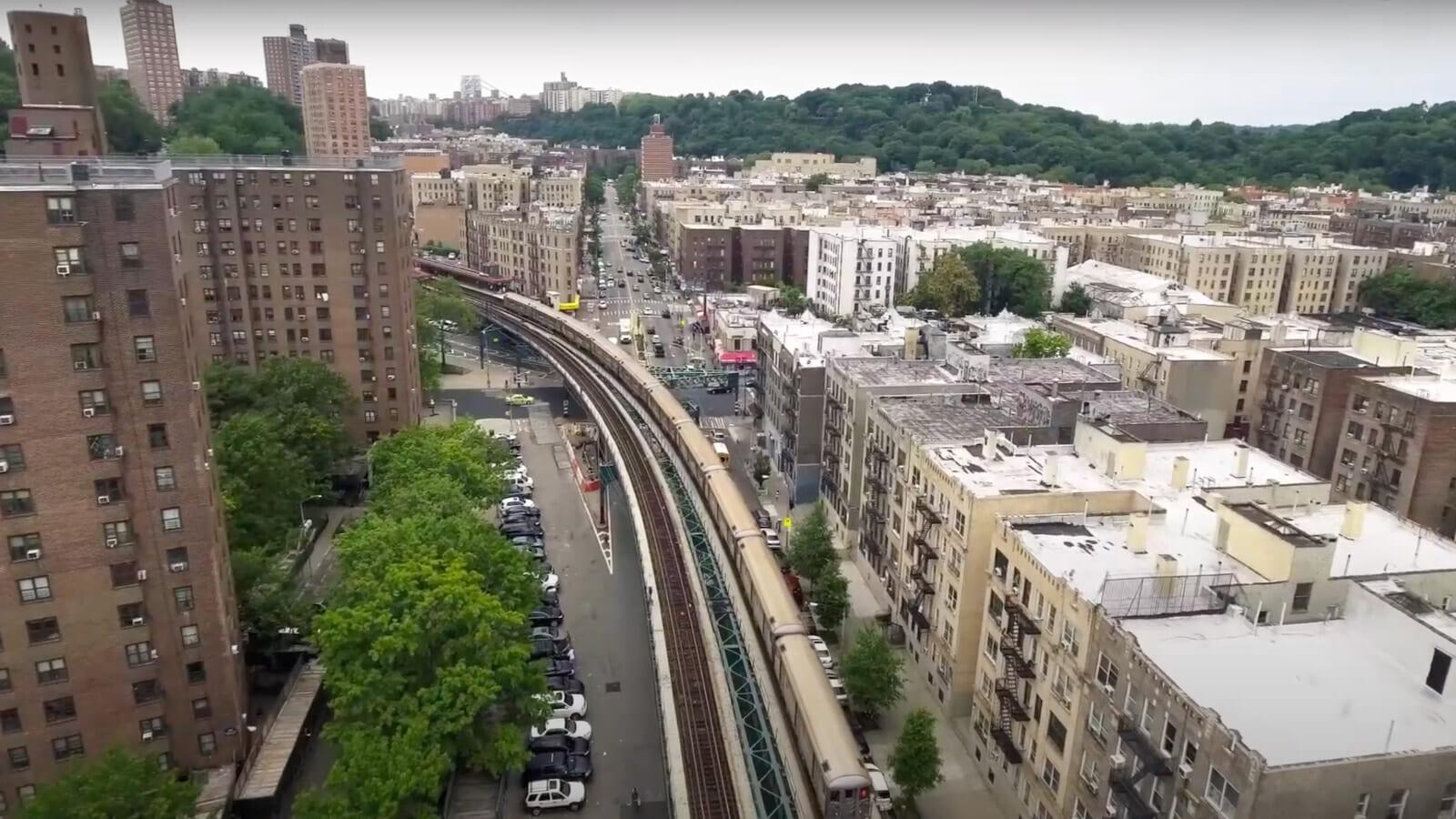 ダイキンと組んでニューヨークの街を省エネ化。古いビルのエネルギー性能を分析して改善するBlocPower