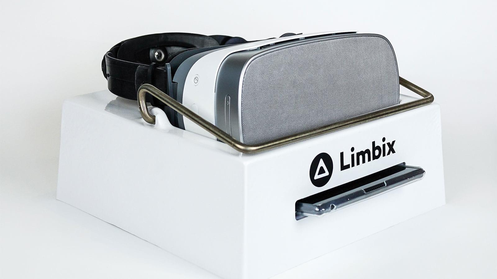 VRキットとデジタル治療アプリで患者を助けるLimbix