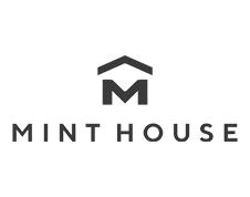ビジネスマン向け、民泊スタイルのホテル。デジタルフロントデスクを使って快適にステイ Mint House